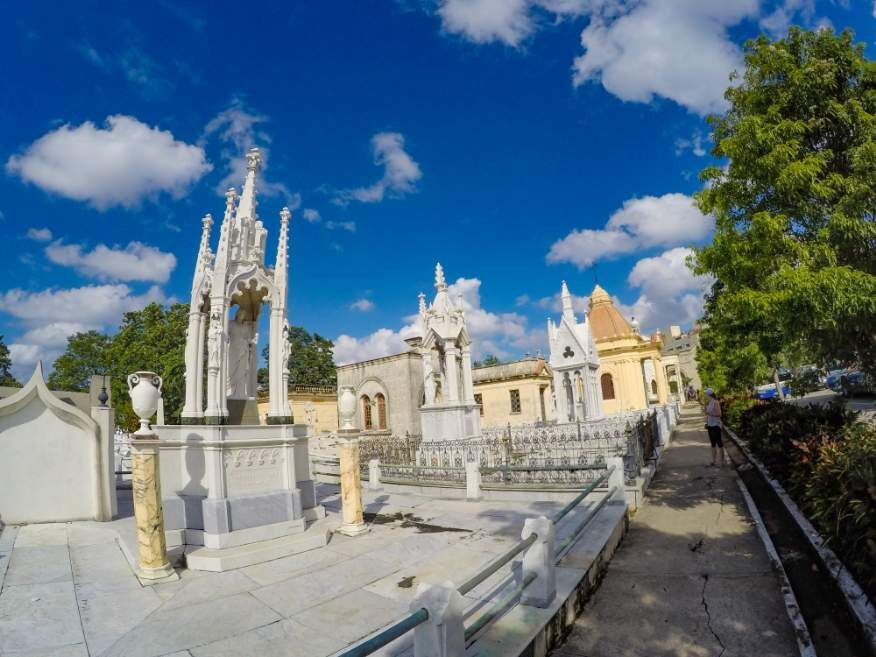 Habana Bus Tour - take a walk around Colon Cemetery