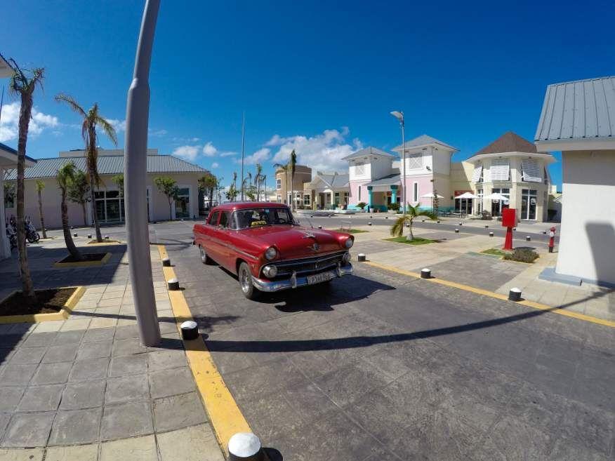 Varadero shopping centre, full of bars and restaurants