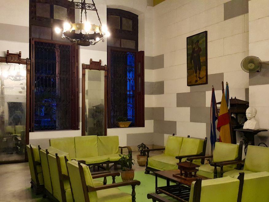 Inside seating at La Xana Italian Restaurant Havana