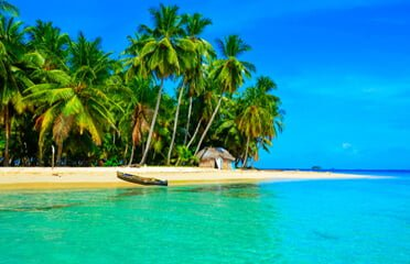 panama-kuna yala-san-blas-islands-beach-view