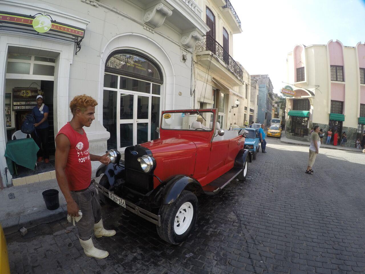 Classic cars in Cuba