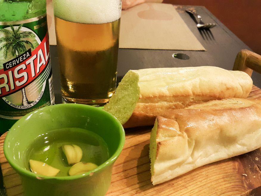 Garlic bread at La Xana Italian Restaurant Havana