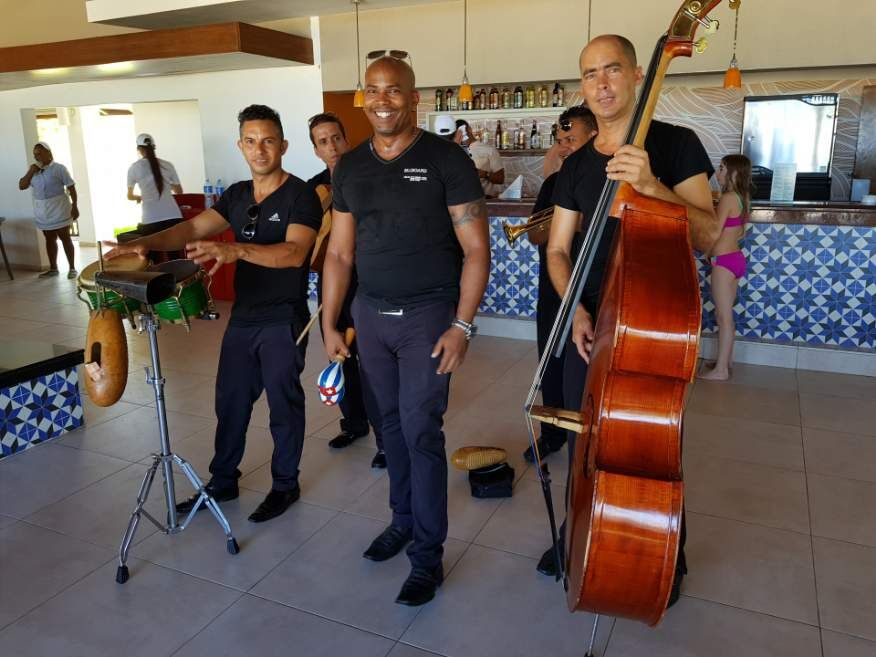Local band in the restaurant at our hotel in Varadeo