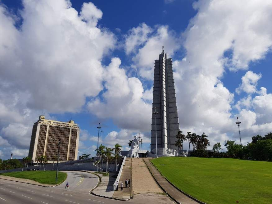 Habana Bus Tour visiting Revolution Square