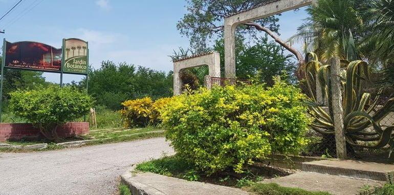 cuba-cienfuegos-attraction-jardin-botanico-front-entrance