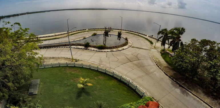 cuba-cienfuegos-attraction-punta-gorda-roundabout
