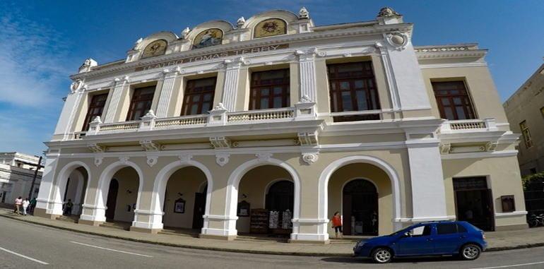 cuba-cienfuegos-attraction-teatro-tomas-terry-front-entrance-view