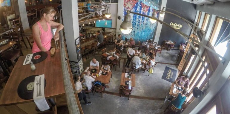 cuba-havana-dining-cha-cha-cha-restaurant-interior-view-from-upper-floor