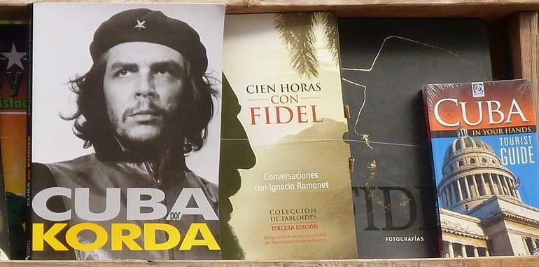 cuba-tourism-books-che-fidel-tourist-guide