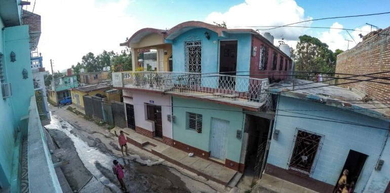 cuba-trinidad-lodging-casa-orula-chango-balcony-street-view