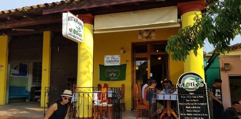 cuba-vinales-dining-el-olivo-restaurant-entrance
