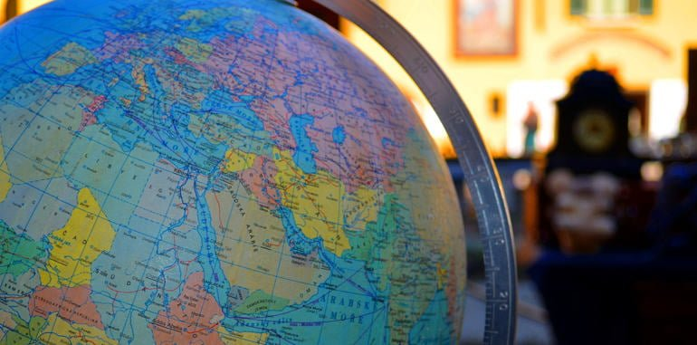 italy-geography-milan-round-globe-map-of-world-