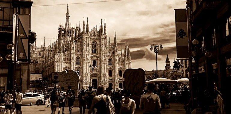 italy-history-milan-duomo-street-view-in-retro-shade