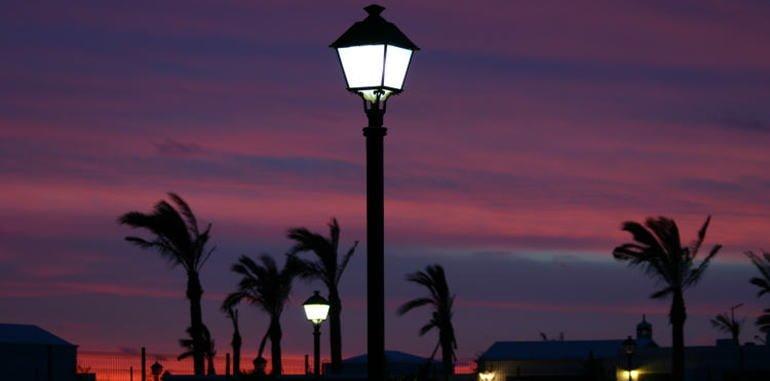 lanzarote-nightlife-street-lamp