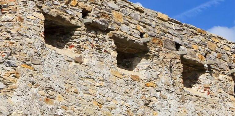 mykonos-attraction-castle-wall
