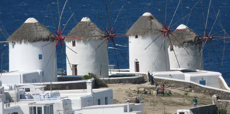 mykonos-attraction-mykonos-town-windmills