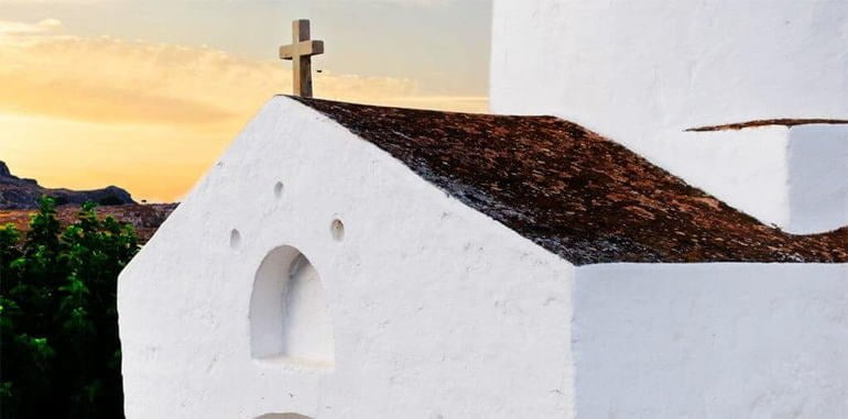 mykonos-attraction-white-church