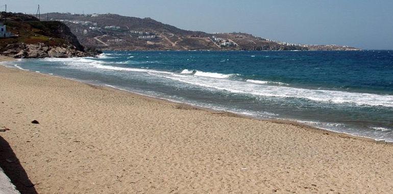 mykonos-beach-korfos