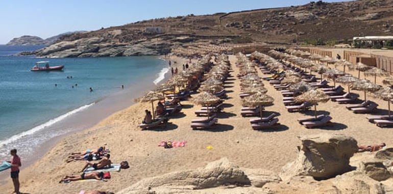 mykonos-beach-lia