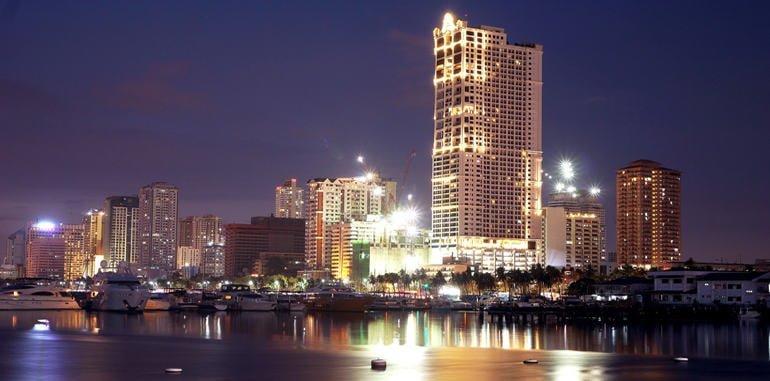 philippines-manila-harbor-skyline